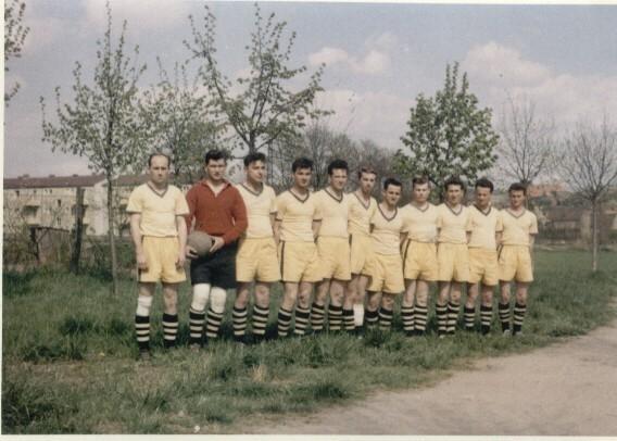 1.Mannschaft 1959 vo. li. nach re.:Krauß Fr., Holz Joh., Risch L., Müller K., Leiner G., Engelke H., Grimm Fr., Faber P., Krauß H., Lapp H., Schöller R.